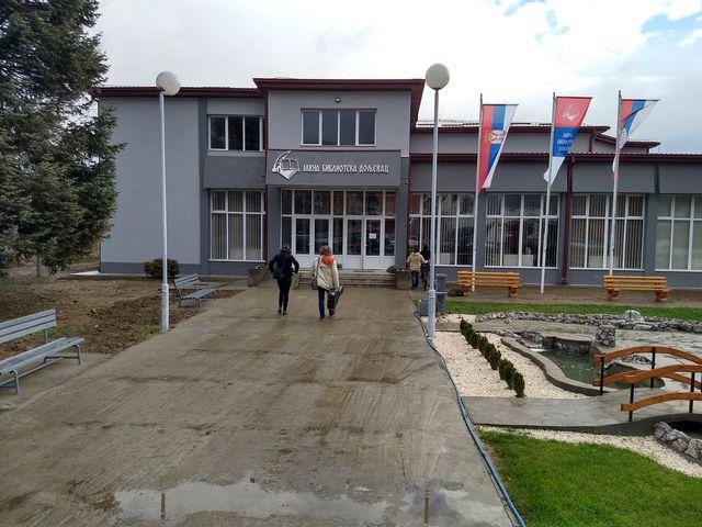 Јавна библиотека Дољевац (фото: Табла)